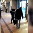 Francia, agente sicurezza picchia barbone inerme