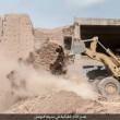 Isis distrugge con bulldozer mura antica2