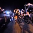 Si addormenta con la moto al via, ciclisti a terra6