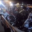 Si addormenta con la moto al via, ciclisti a terra