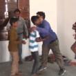 abbracci in un minuto: indiano nei Guinness 3