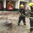 VIDEO YOUTUBE Coca cola può spegnere un incendio? 4