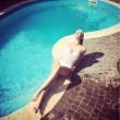 Elena Santarelli in forma dopo parto: scollatura su Instagram 3