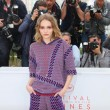 Lily Rose Depp piange braccata da paparazzi13