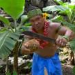 VIDEO Aprire una noce di cocco coi denti? Ecco il tutorial 5