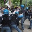 YOUTUBE Salvini a Bologna, polizia carica antagonisti8