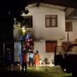 Almeno 17 studentesse thailandesi tra i cinque e i 12 anni sono morte domenica sera nell'incendio che ha distrutto il dormitorio di un collegio3