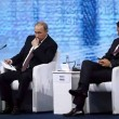 Renzi usa smartphone, Putin lo guarda perplesso FOTO 03