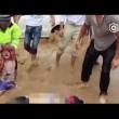 Famiglia quasi travolta da acqua salvata da un'auto4