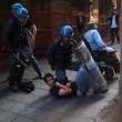Salvini a Bologna, scontri centri sociali polizia 08