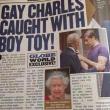 """Globe: """"Principe Carlo è gay"""". Le foto del bacio al toy boy 03"""