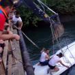 YOUTUBE Turchia, bus scuola precipita in canale: 14 morti 2