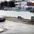 YOUTUBE Cina, uccide a coltellate la moglie in strada, in pieno giorno 3
