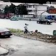 YOUTUBE Cina, uccide a coltellate la moglie in strada, in pieno giorno 4