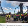 Germania, crolla cantiere in autostrada: almeno tre morti FOTO