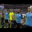 Suonano l'inno del Cile in campo c'è l'Uruguay2