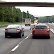 Automobilisti litigano: uno lancia all'altro una lattina