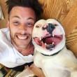 Dan Tillery pubblica foto col cane che ride ma...rischia di perderlo