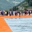 YOUTUBE Lago d'Iseo, si cammina sull'acqua: via alla passerella di Christo