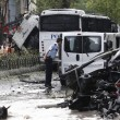 YOUTUBE Istanbul, bomba contro poliziotti: morti e feriti2