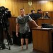 YOUTUBE Oscar Pistorius in Tribunale senza protesi FOTO