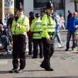 Poliziotti inglesi sotto copertura: sì a relazioni con i propri bersagli
