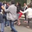 VIDEO YOUTUBE Arrestata banda romeni. Parenti contro agenti 01