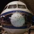 Grandine scheggia parabrezza aereo5
