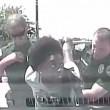 Insegnante afroamericana arrestata per eccesso di velocità: sbattuta a terra 2 volte4