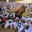 YOUTUBE Pamplona: prima corsa tori, 4 feriti 13