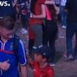 YOUTUBE Euro 2016, piccolo tifoso portoghese abbraccia francese in lacrime 4
