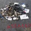 Attentato Nizza, sfregio al killer: pietre e cicche dov'è morto FOTO