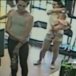YOUTUBE Mamma si distrae: tentano di rapire la figlia di 4 anni VIDEO CHOC02