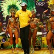 "YOUTUBE Rio 2016: Usain Bolt, ""trenino"" con ballerine samba11"