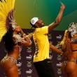"YOUTUBE Rio 2016: Usain Bolt, ""trenino"" con ballerine samba"