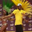 "YOUTUBE Rio 2016: Usain Bolt, ""trenino"" con ballerine samba6"