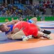 Rio 2016, lottatore russo perde i sensi si riprende e vince oro