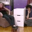 Sotto effetto lsd provano a montare mobile Ikea