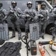 Terrore Londra, attacco a coltellate: un morto e sei feriti 10