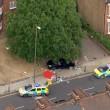 Auto inseguita dalla polizia e investe famiglia, 2 morti a Londra