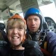 Paracadute si aggroviglia: cade su auto da 4500 metri 5