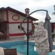 YOUTUBE Rom ad Avezzano (L'Aquila): nullatenenti con ville di lusso con piscina FOTO 6
