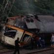 Spagna, deraglia treno: almeno 3 morti 01