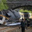 Spagna, deraglia treno: almeno 3 morti 02