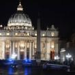 Vaticano, uomo sfonda transenne a Piazza San Pietro FOTO