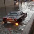 Ferrari California da 800mila dollari finisce nell'acqua