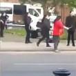 Funerale si trasforma in battaglia coi forconi a Manchester5