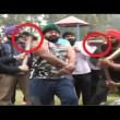 Iron Man d'India solleva moto su testa e si fa schiacciare da auto