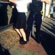 Londra, poliziotto trascina tredicenne per i capelli4