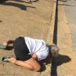 Usa, in overdose da eroina coppia di sessantenni: passanti ridono e filmano5